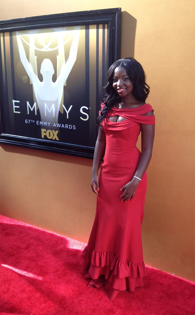 e dress to impress winner owned the emmys red carpet by wowing in a dress designed by her and. Black Bedroom Furniture Sets. Home Design Ideas