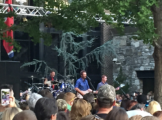 Blake Shelton, Free Nashville Concert