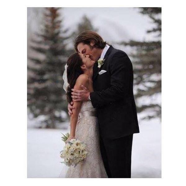 jared padalecki partage une adorable photo de mariage pour tbt regardez e news. Black Bedroom Furniture Sets. Home Design Ideas