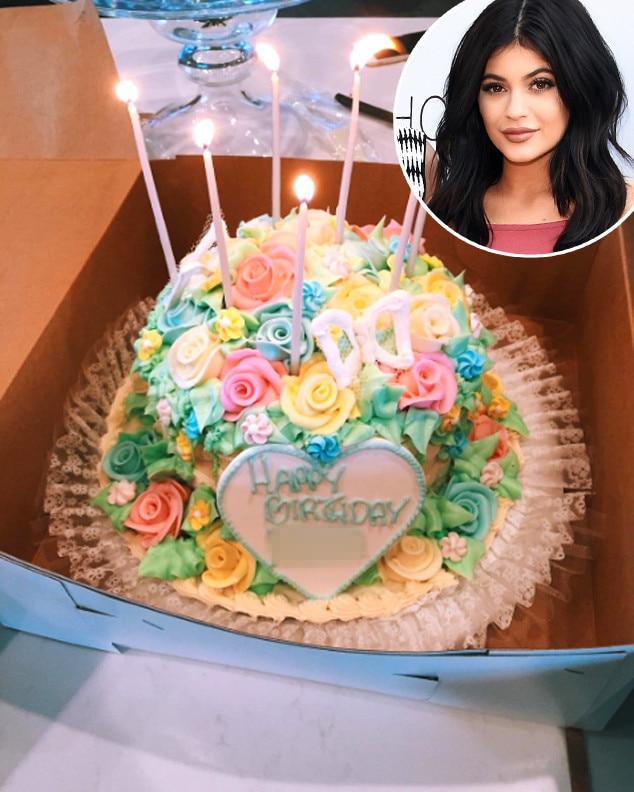 Kylie Jenner, Cake