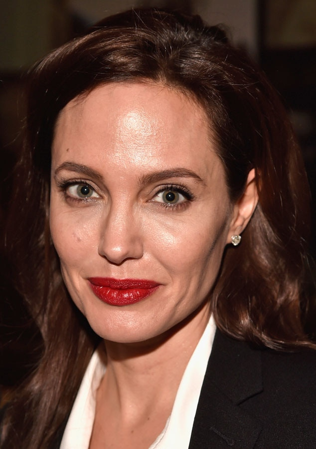 <b>Angelina Jolie</b>, Close Up - rs_634x899-150924125002-634-angelina-jolie-beauty-092415