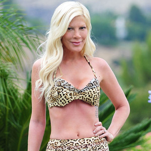 Tori Spelling, Bikini
