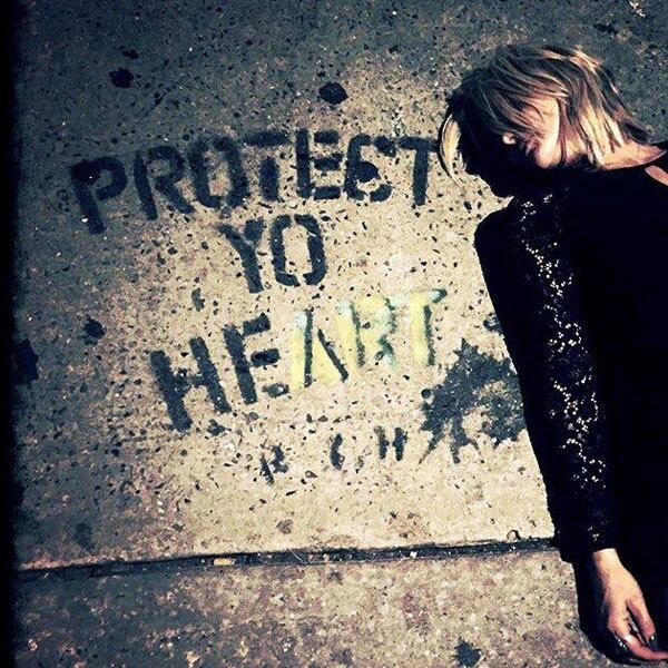 Miranda Lambert, Facebook