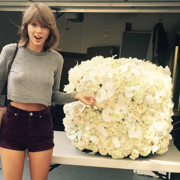 kanye west sends new bff taylor swift the coolest flowers