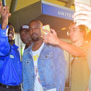 Kanye West, Selfies