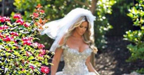 Kim Zolciak Shares Flashback Wedding Pic Thanks Family Friends And Best Friend Kroy Biermann After Mini Stroke