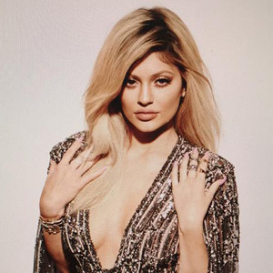 Kylie Jenner Oozes Sex Appeal for <i>Elle Canada</i>: See Her Two Sparkly Covers!