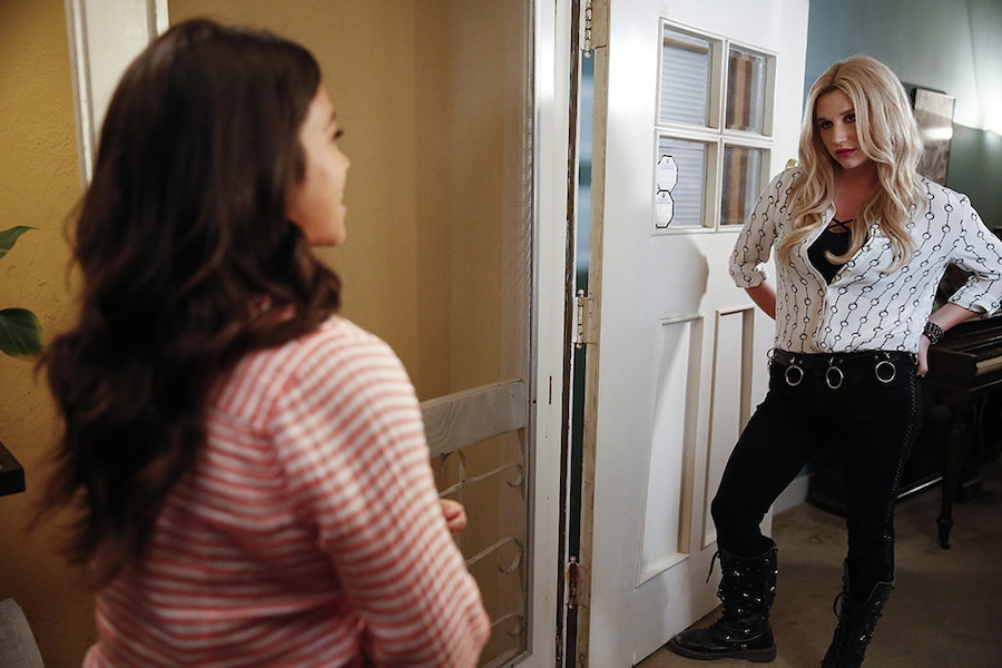 Jane The Virgin, Gina Rodriguez, Kesha
