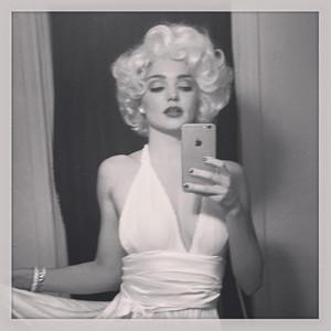 Miranda Kerr, Marilyn Monroe, Halloween