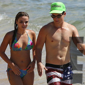 Miles Teller, Keleigh Sperry, Hawaii, Exclusive