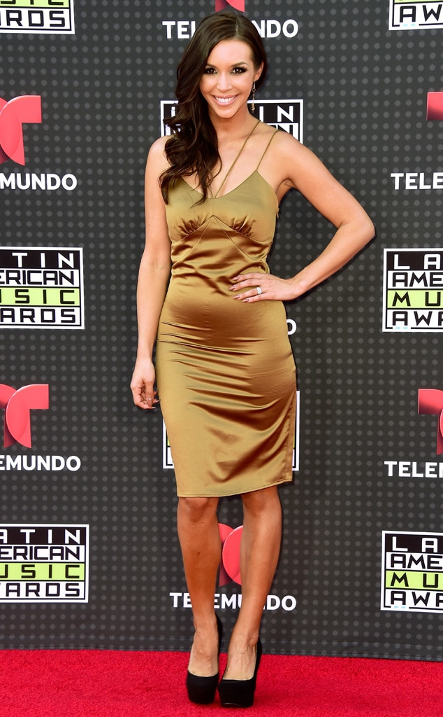 Latin American Music Awards, Scheana Shay