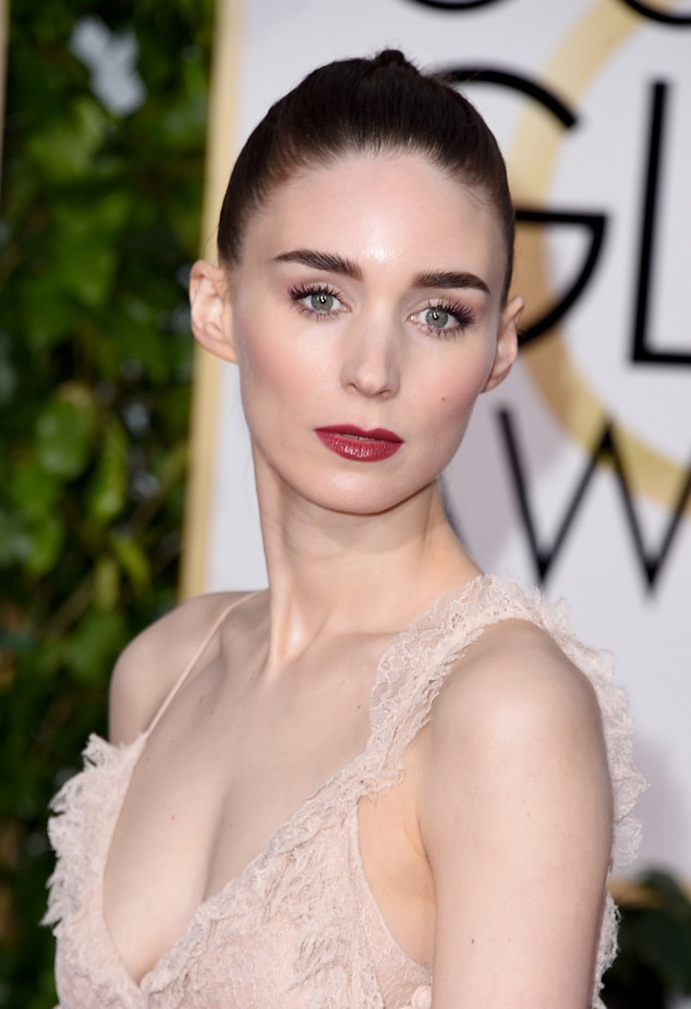 Get The Look Rooney Mara S Deconstructed Braided Updo