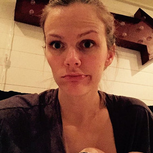 Brooklyn Decker, Breastfeeding, Instagram