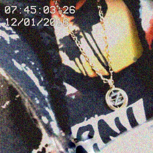 Gigi Hadid, Zayn Malik, Birthday Necklace