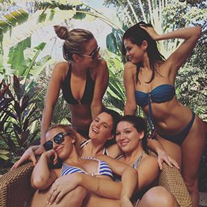 Selena Gomez, Friends, Bikini