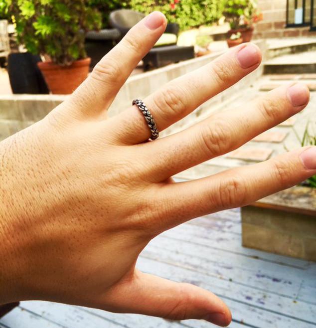 Skylar Astin, Engagement Ring