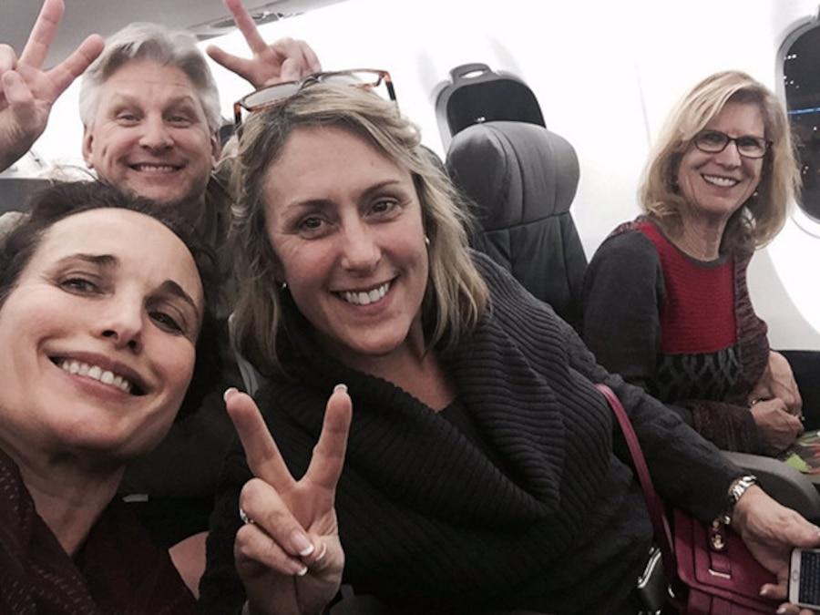 Andie MacDowell, Plane Selfie