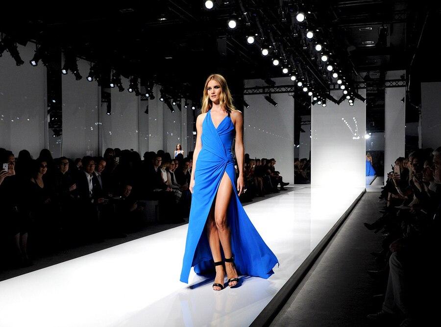 Rosie Huntington-Whiteley, Versace