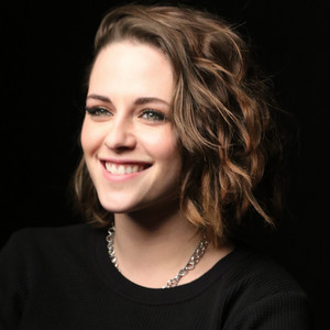 Kristen Stewart ''Can't Wait to Play a Superhero, Also She ...