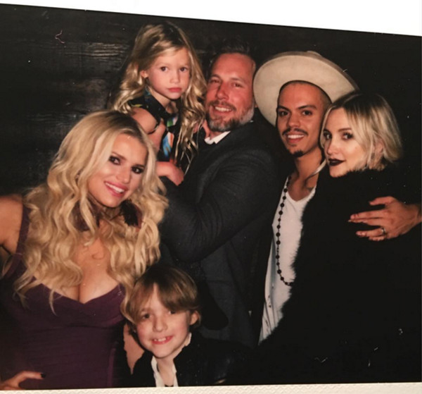 Jessica Simpson, Eric Johnson, Maxwell Johnson, Ace Johnson, Ashlee Simpson Ross, Evan Ross