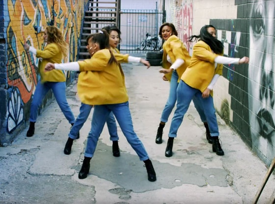 Rashida Jones, Music Video