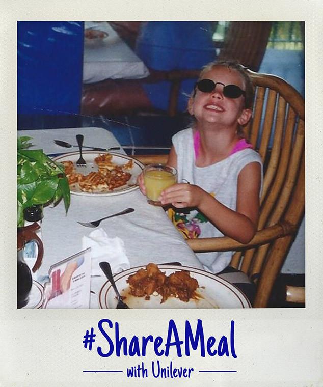 Ashley Benson, Share a Meal