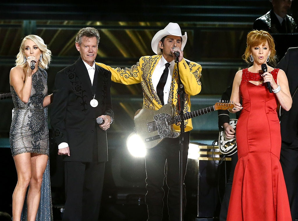 Carrie Underwood, Randy Travis, Brad Paisley, Reba McEntire, 2016 CMA Awards