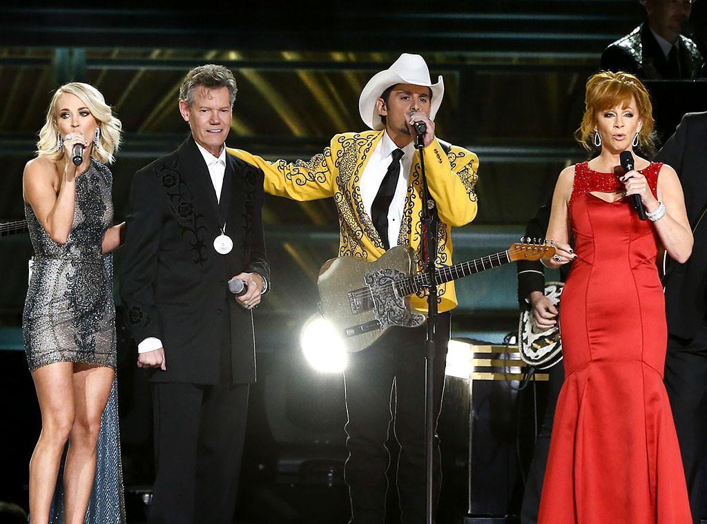 Carrie Underwood, Randy Travis, Brad Paisley, Reba McEntire, 2016 CMA Awards
