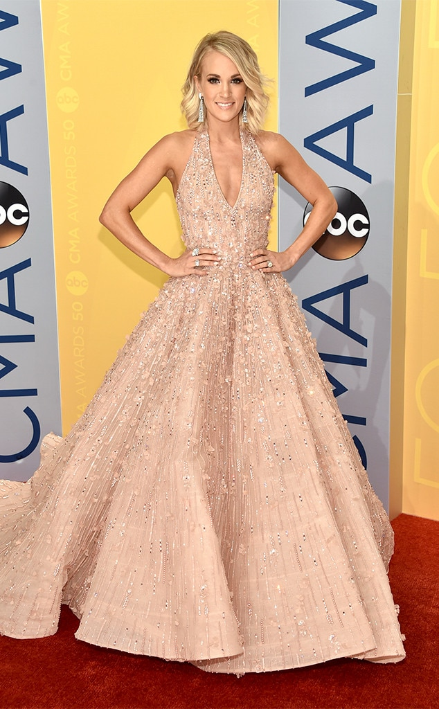 Carrie Underwood, 2016 CMA Awards