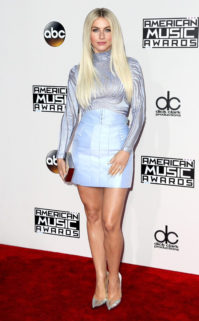 Julianne Hough, AMAs, 2016 American Music Awards, Arrivals