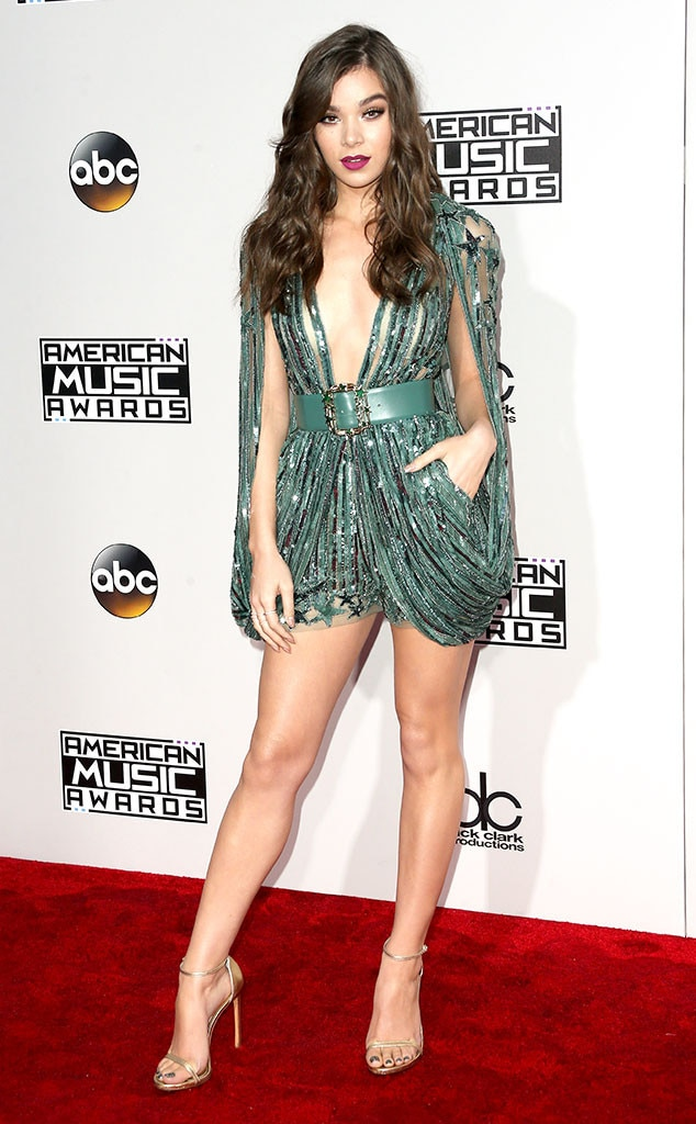 Hailee Steinfeld, AMAs, 2016 American Music Awards, Arrivals