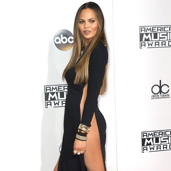 Chrissy Teigen, AMAs, 2016 American Music Awards, Arrivals