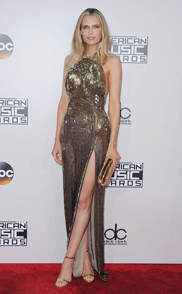 Sara Foster, 2016 American Music Awards