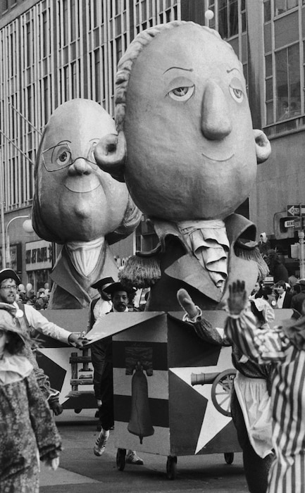 Scariest Macy's Thanksgiving Day Parade Floats, Benjamin Franklin, George Washington