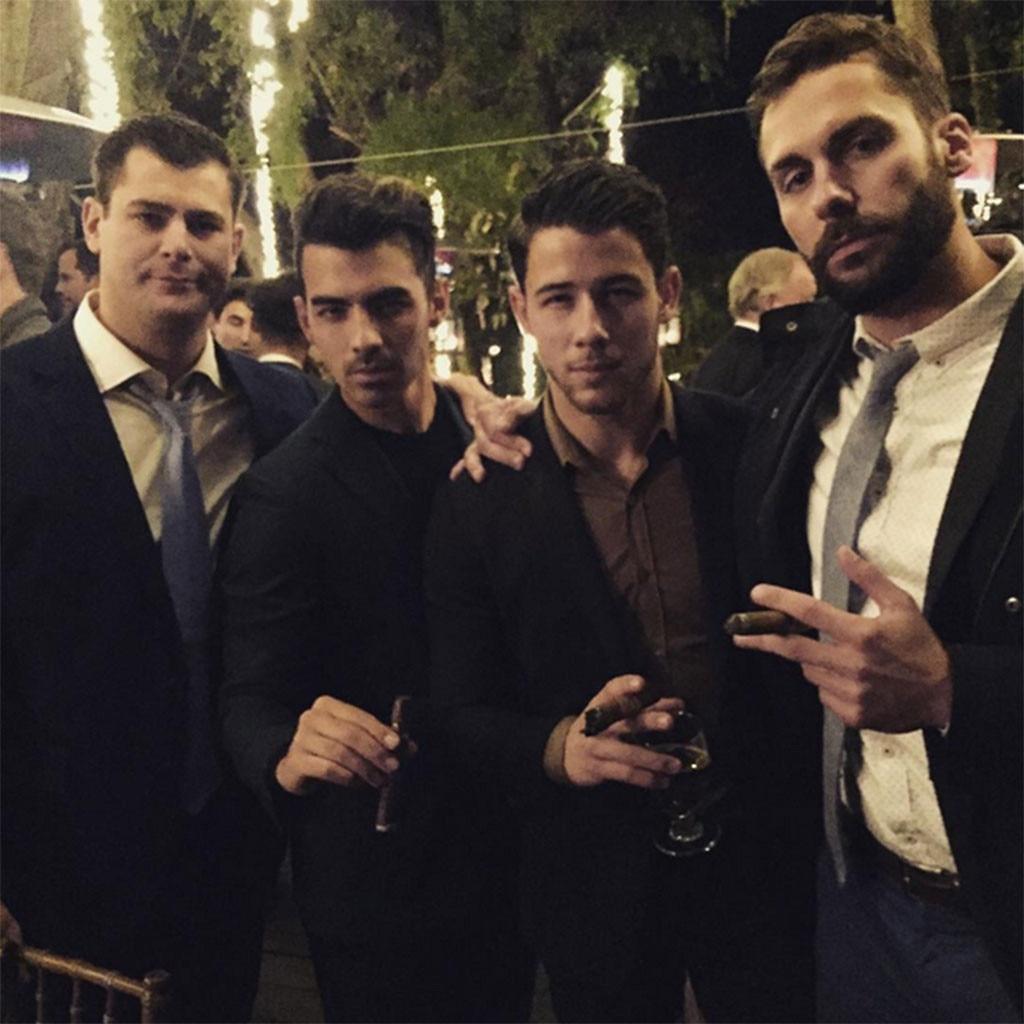 Joe Jonas, Nick Jonas
