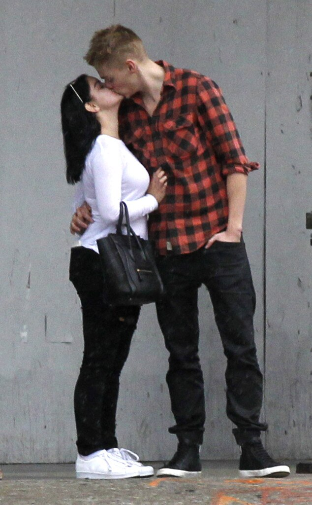 Ariel Winter, Levi Meaden, PDA
