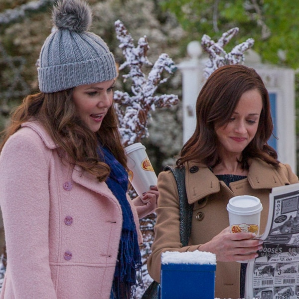 Lauren Graham, Alexis Bledel respond to 'Gilmore Girls' renewal rumours