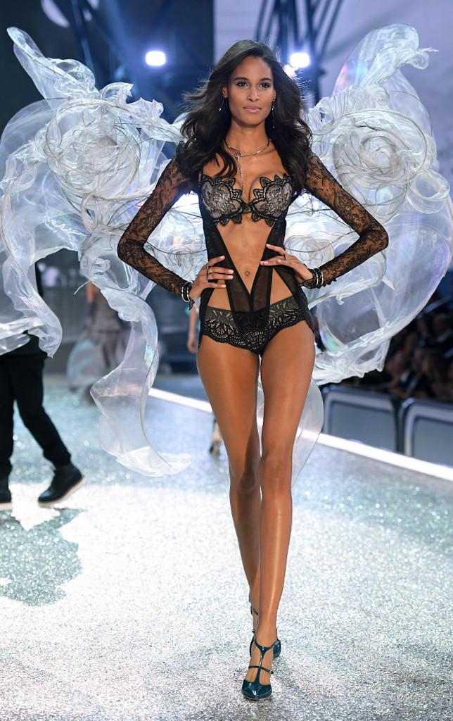 Cindy Bruna, 2016 Victoria's Secret Fashion Show