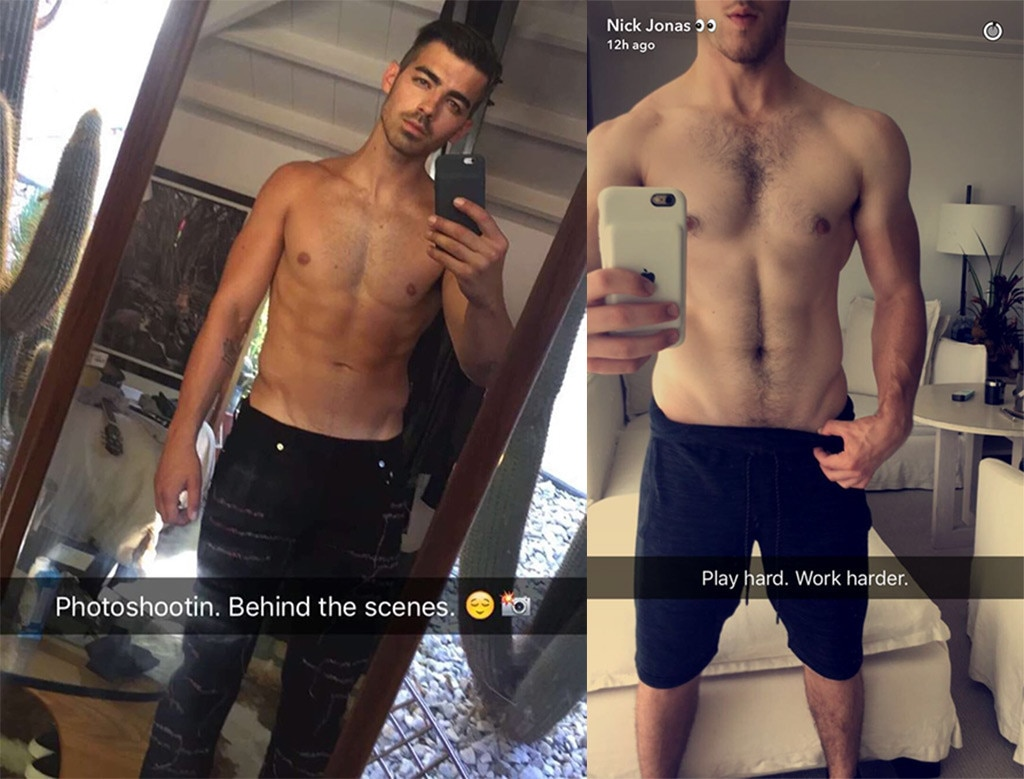 Joe Jonas, Nick Jonas