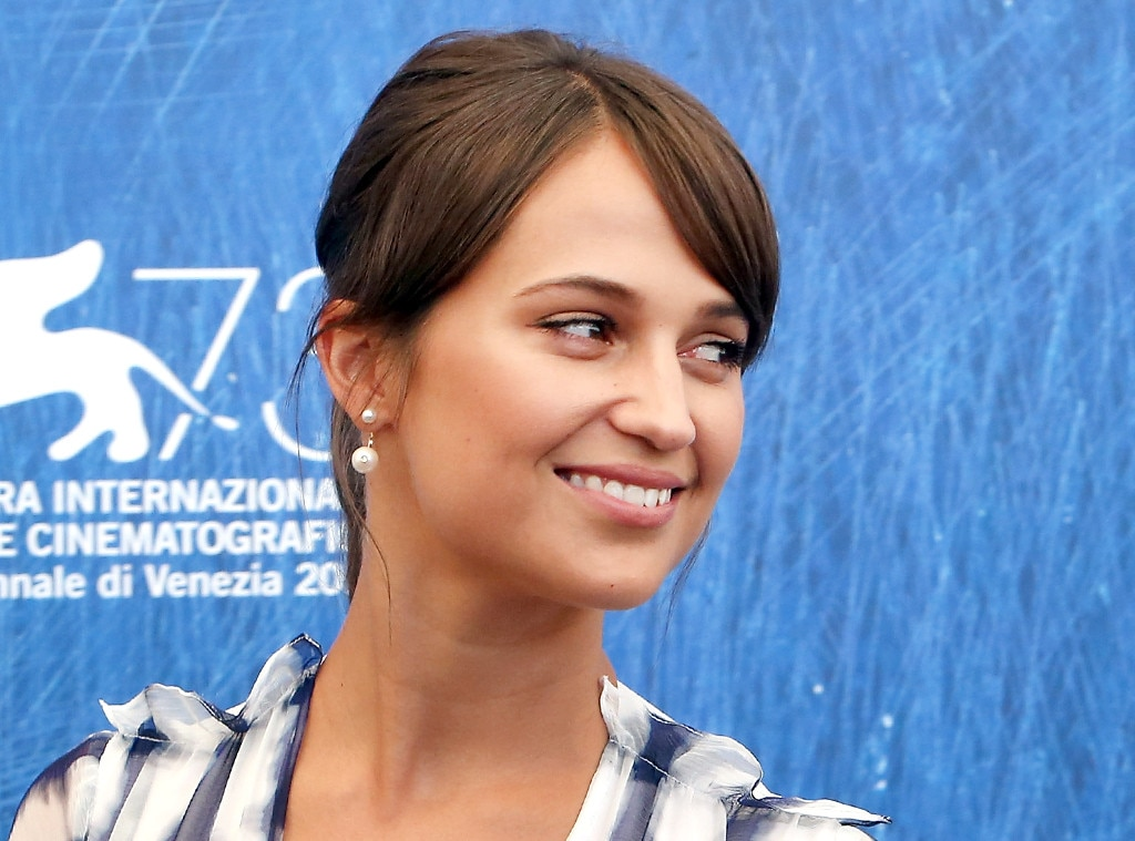ESC: Alicia Vikander, Bangs