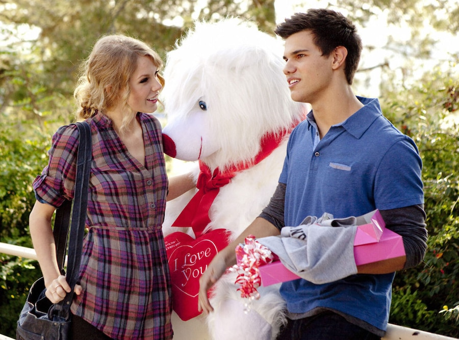 Taylor Swift, Taylor Lautner, Valentine's Day