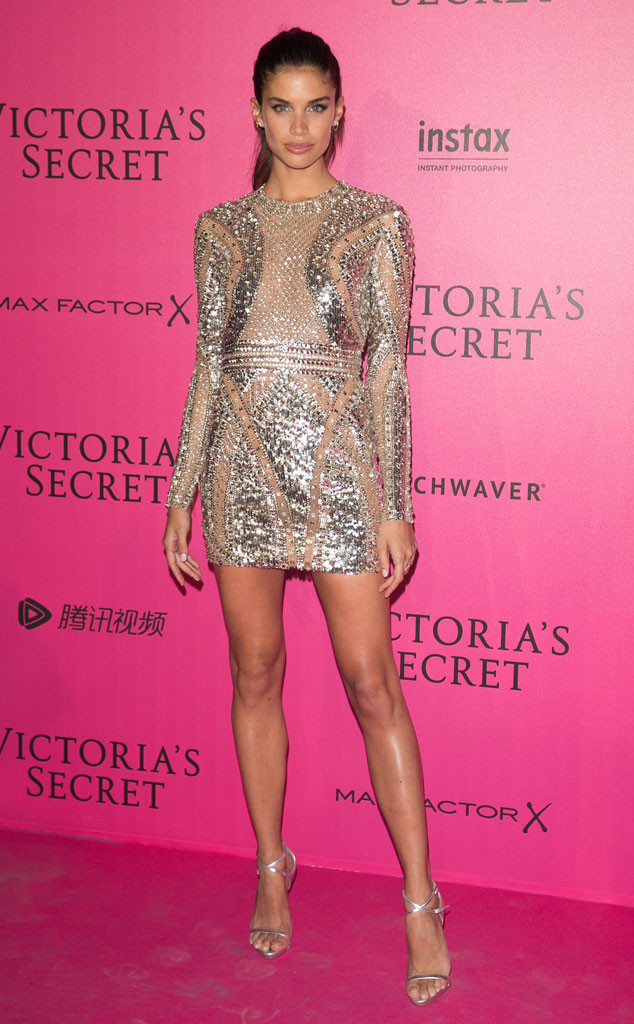 Sara Sampaio, Victoria's Secret Pink Carpet
