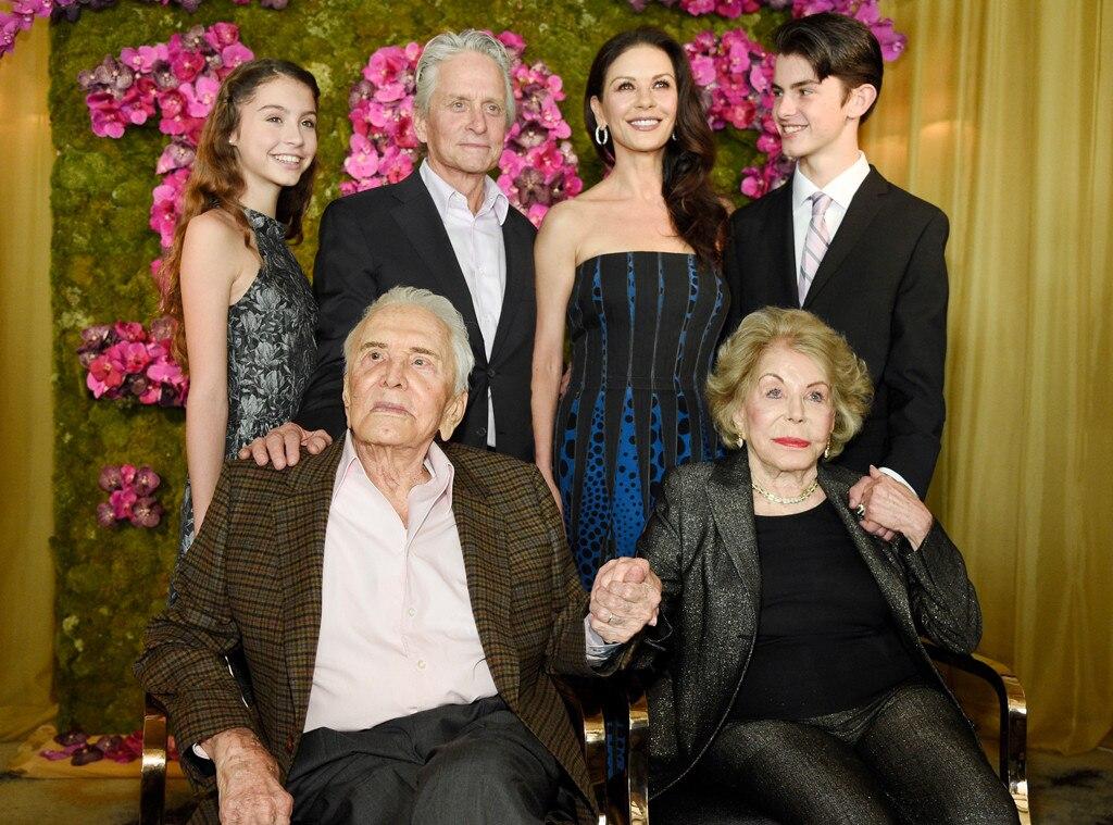 Kirk Douglas, Anne Douglas, Michael Douglas, Catherine-Zeta Jones, Carys Douglas, Dylan Douglas