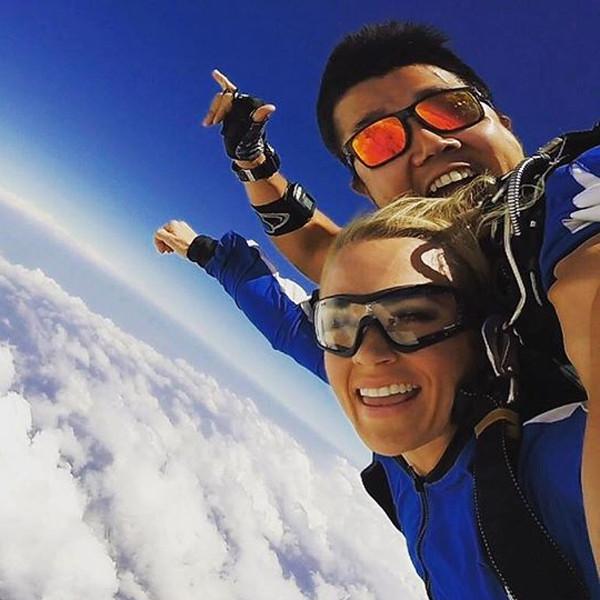 Carrie Underwood, Skydiving