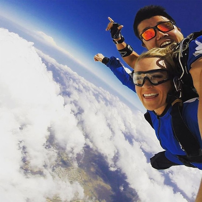 Carrie Underwood, Skydiving