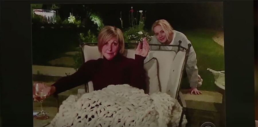 Jennifer Lawrence, Mom, Peeing