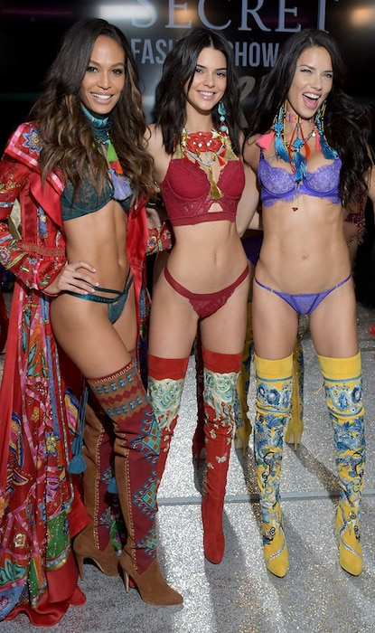 Joan Smalls, Kendall Jenner, Adriana Lima, 2016 Victorias Secret Fashion Show