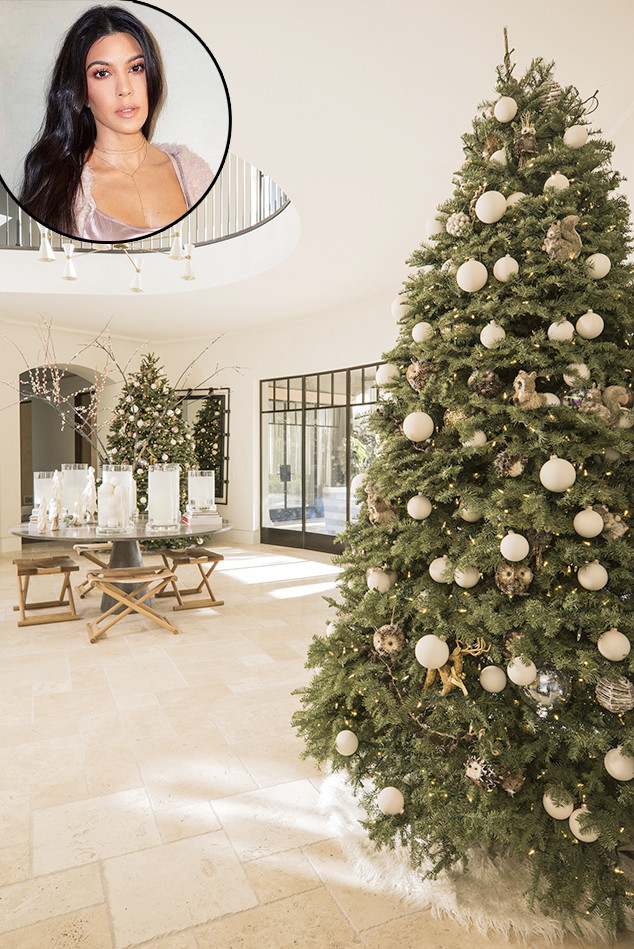 Kourtney Kardashian, Christmas Trees