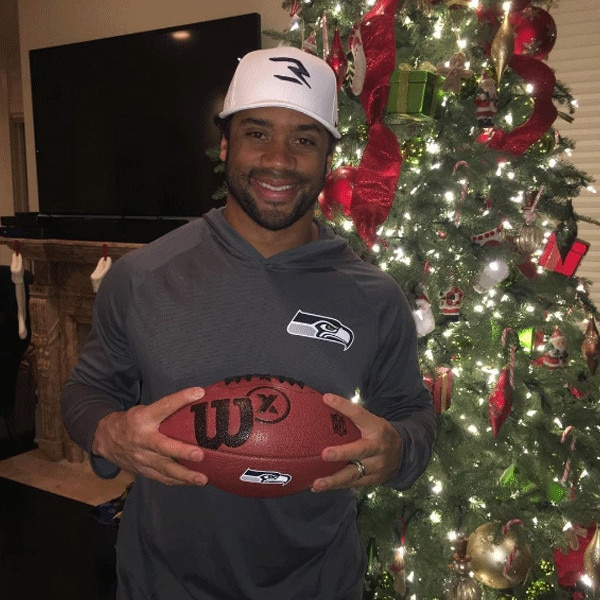 Russell Wilson, Christmas 2016