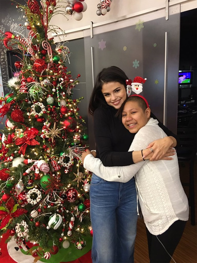 Selena Gomez, Children's Hospital, Christmas Eve 2016